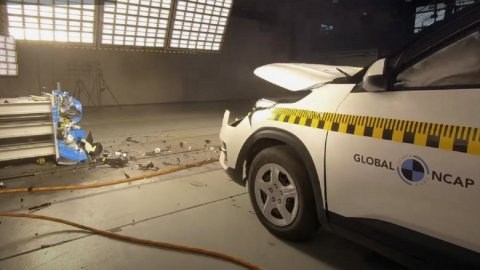 Kia Seltos crossover received three stars in the Global NCAP crash test